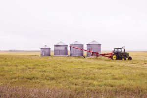 grain-bins-on-the-badlands-1